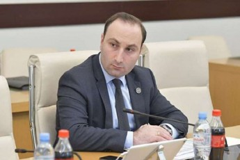 anri-oxanaSvili-opozicias-dResac-fexakrefiT-apirebT-gaparvas-Tu-geyofaT-moTmineba-da-moismenT-poziciebs