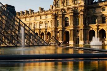parizSi-luvris-muzeumi-6-ivlisidan-gaixsneba