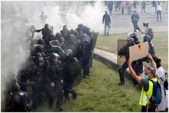 parizSi-medpersonalis-aqcia-policiasTan-SetakebaSi-gadaizarda