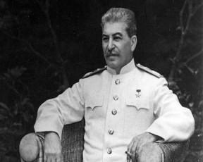 rogor-gacvala-stalinma-leninis-ordeni-da-koniaki-qarTul-saganZurze