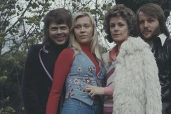 ABBA-5-axal-simReras-gamouSvebs