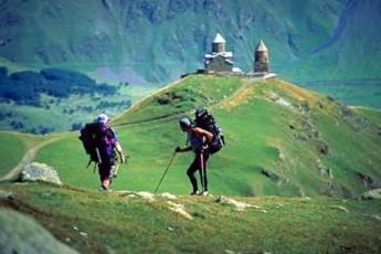 turizmi-rogorc-iaraRi-mexuTe-kolonis-xelSi
