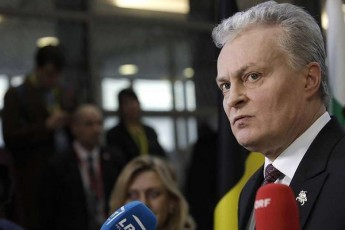 lietuvis-prezidenti-ar-vfiqrob-rom-kvlav-SegviZlia-aleqsandre-lukaSenkos-legitimuri-prezidenti-vuwodoT