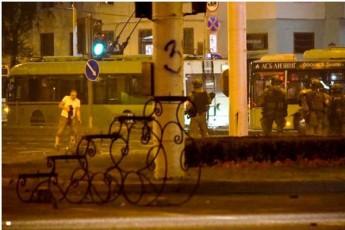 mediaSi-minskSi-saprotesto-aqciis-dros-demonstrantis-gardacvalebis-kadrebi-gavrcelda-video