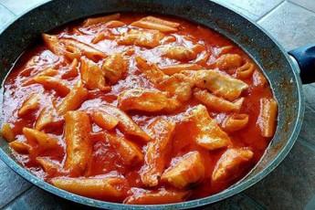 noyieri-sadili-mxolod-3-ingredientiT-qaTmis-file-makaroni-da-pamidori