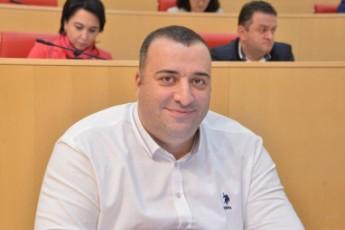 opoziciuri-partiebi-saakaSvilisgan-rac-ufro-male-gaTavisufldebian-miT-ukeTesi-maTTvis