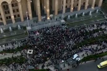 opozicia-xisti-poziciis-mZevlad-iqca-Tu-masobrivi-protestis-organizeba-ar-SegiZlia-maSin-manevrirebisTvis-gzebi-unda-daitovo