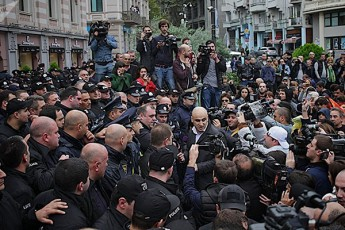 opozicia-gulisxmobs-arCevnebis-Catarebas-iqamde-vidre-ar-gaimarjvebs-saakaSvili