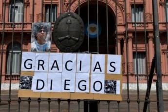 diego-maradonas-cxedari-argentinis-saprezidento-sasaxleSi-gadaasvenes