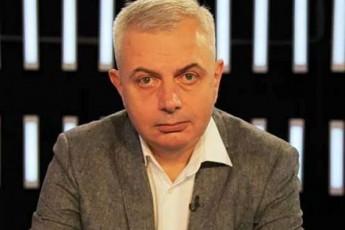 is-politikosi-romelic-emorCileba-bulings-politikaSi-adgils-ver-daimkvidrebs-da-ajobebs-droulad-SeeSvas-am-saqmes