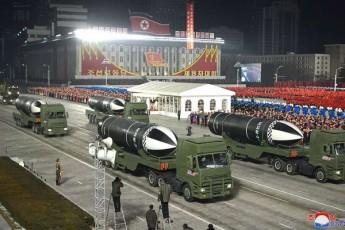CrdiloeT-koream-wyalqveSa-bazirebis-axali-balistikuri-raketebi-waradgina