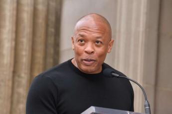 cnobili-amerikeli-reperi-Dr-Dre-saavadmyofodan-gaweres