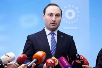 anri-oxanaSvili-vinme-Tu-uwyobs-xels-rom-qveyanaSi-parlamentarizmi-da-demokratiul-procesSi-opoziciis-CarTuloba-uzrunvelyofili-iyos-es-aris-qarTuli-ocneba