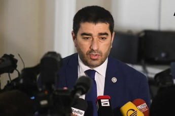 Salva-papuaSvili-sul-100-kacia-rasac-vakvirdebiT-vinc-am-krizisis-vizualur-warmoCenas-cdilobs