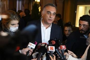 zaal-udumaSvili-Cven-Tu-parlamentSi-SevediT-es-imas-ar-niSnavs-rom-uars-vambobT-saerTod-quCis-aqciebze---erTdroulad-viqnebiT-rogorc-saparlamento-aseve-quCis-opozicia