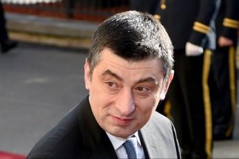 kiTxvebi-romelic-gaxarias-politikur-beds-gadawyvets