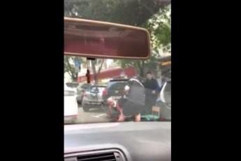 ემოციური კადრები - რა მოიმოქმედა საამაყო მორაგბე მამუკა გორგოძემ, როცა ქუჩაში ადამიანი შეუძლოდ გახდა (ვიდეო)