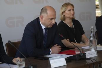daviT-feraZe--gavanaxevreT-procenti-saqarTvelos-rkinigza-weliwadSi-20-milion-dolars-dazogavs