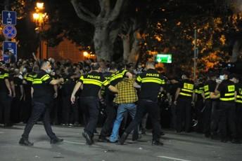 saxifaTo-ragbi-rusTavelze---policiam-qveynisTvis-damangreveli-lelo-ar-daadebina