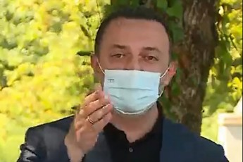 RaribaSvili-gaxarias--moskovidan-Camovida-gaswavles-Cagacves-dagaxures--video